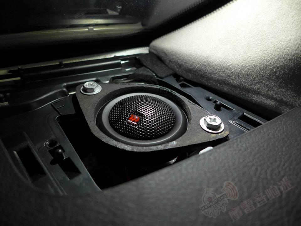 丰田lc200升级摩雷听爱卓汽车音响